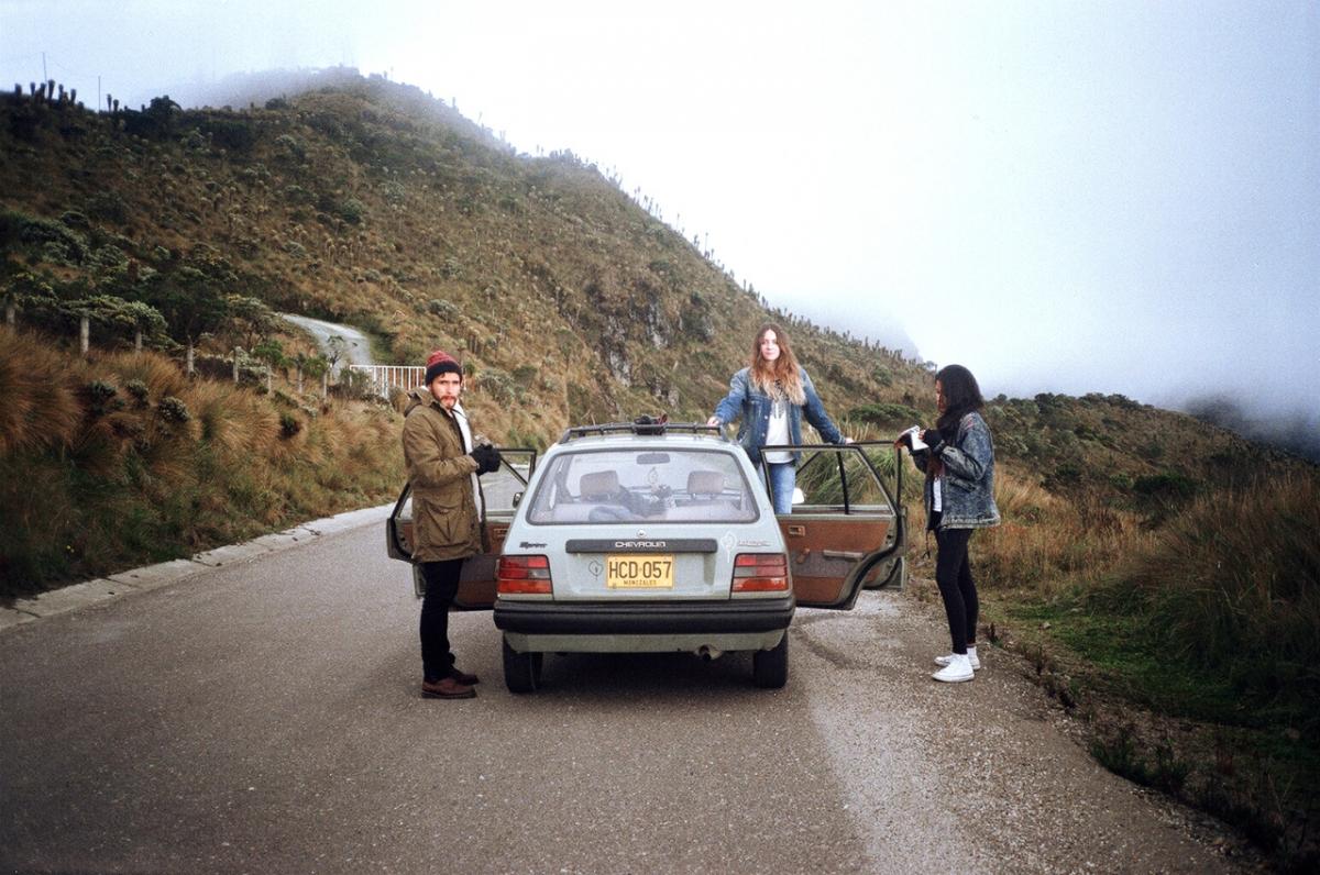 rafael-cardenas_between-mountains-01