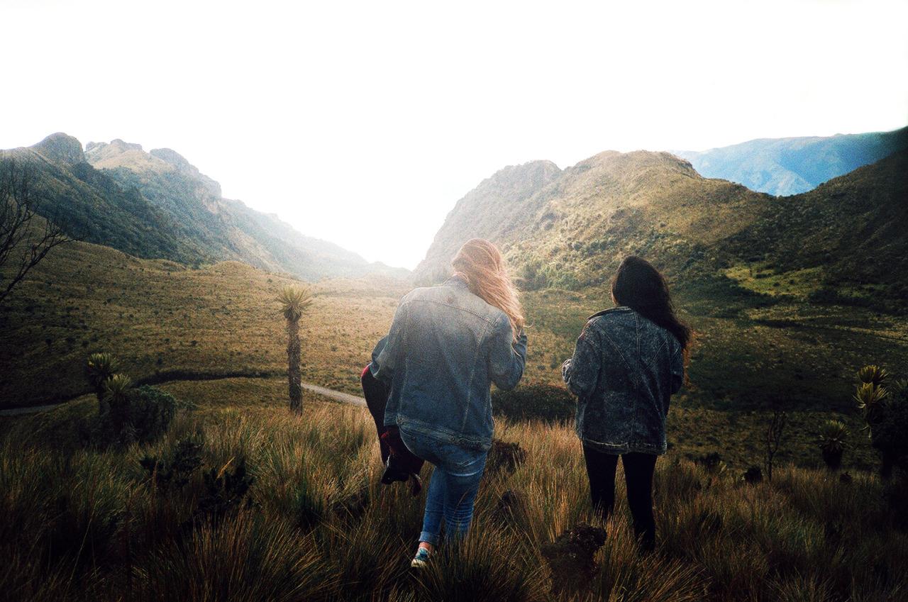 rafael-cardenas_between-mountains-02