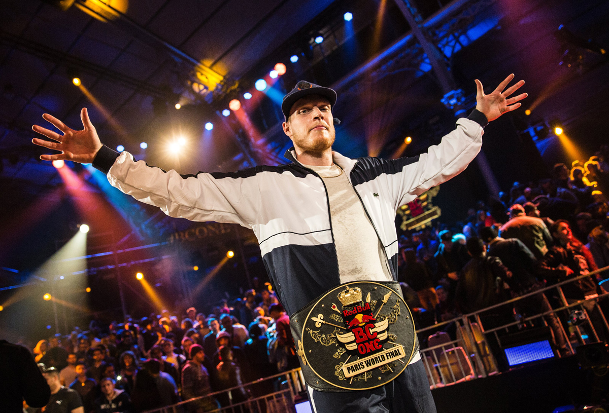 RedBullBCOne-World-Final-2014_Paris_Menno_champion(c)Romina-Amato,-Red-Bull-Content-Pool