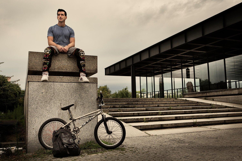 Portrait - Tim Knoll