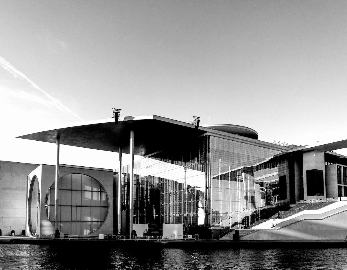 Explore Architextures: Mit dem HUAWEI P9 durch Berlin | electru.de