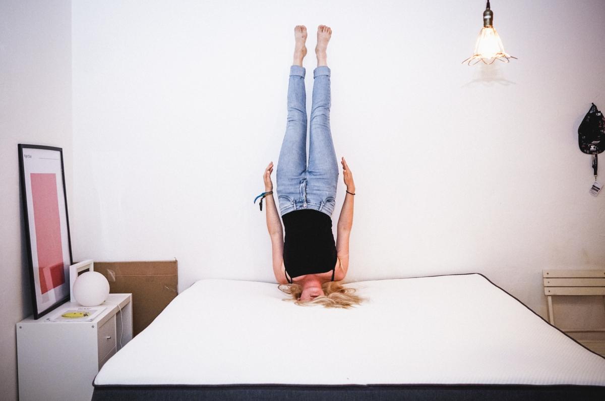 du lebst wie du schl fst wir ab sofort auf der casper matratze. Black Bedroom Furniture Sets. Home Design Ideas