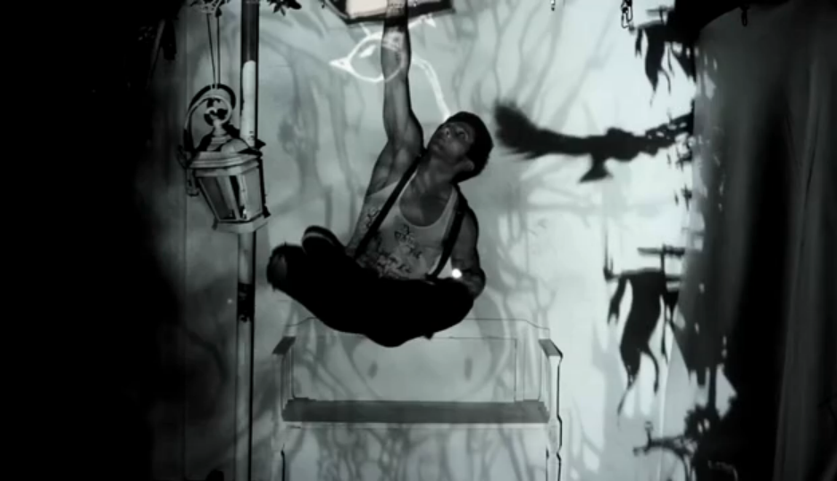 Projection mapping live performance art - The Alchemy of Light by a dandypunk