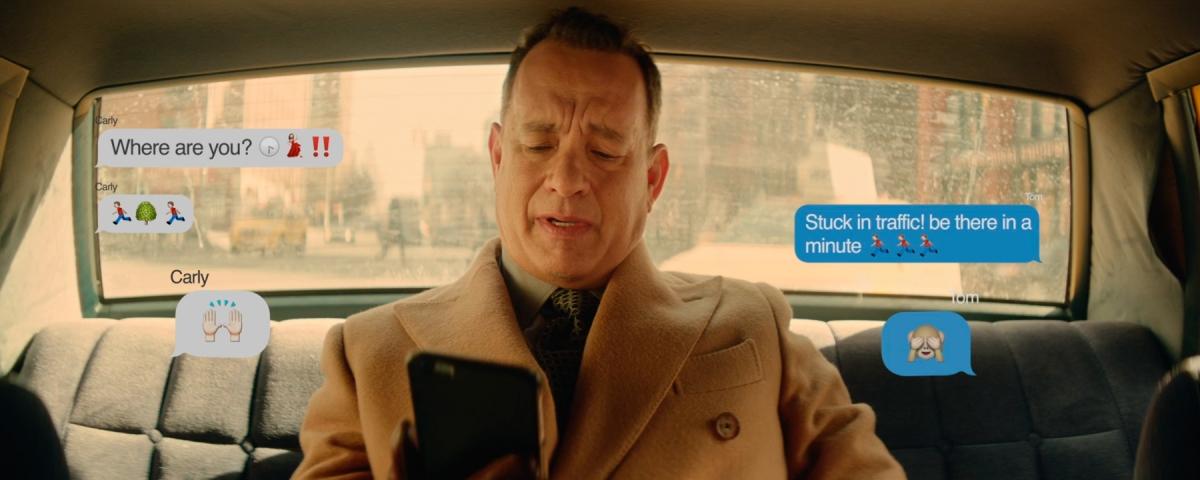 Carly-Rae-Jepsen--I-Really-Like-You--Tom-Hanks-Video