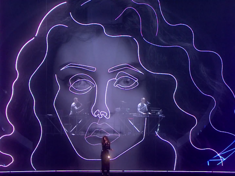 Disclosure and Lorde perform Royals - White Noise - BRIT Awards 2014