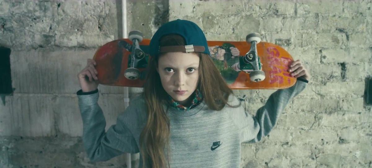 Natalie-Westling-Skateboard-Etiquette-supermodel