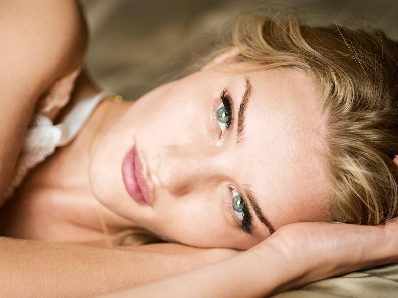 Rosie-Huntington-Whiteley-Closeup-Magnum-WimWenders