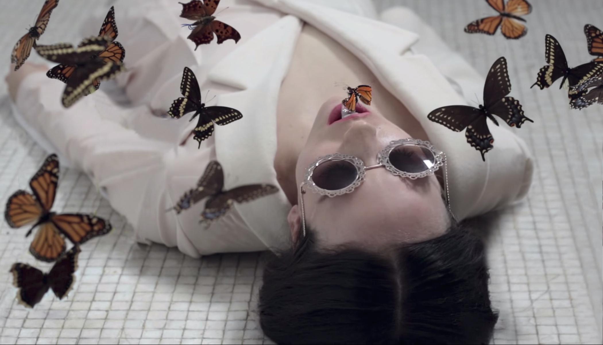 alliex-catch-music-video-02