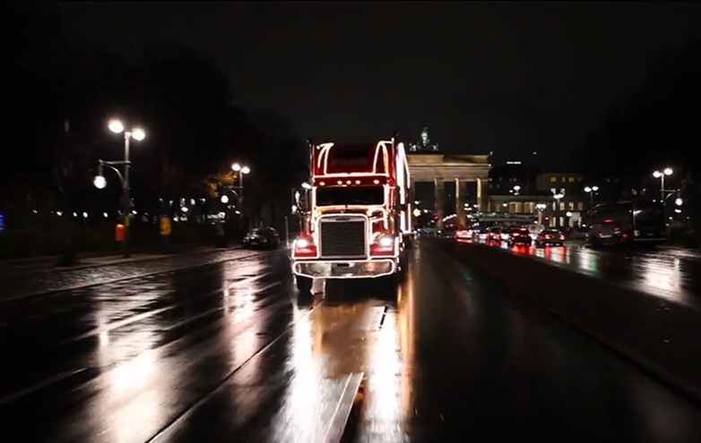 coca-cola_hilf-santa-christmas-truck