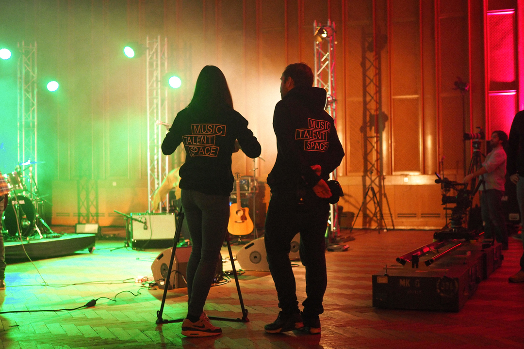 fe-tmts-backstage-electrude-24