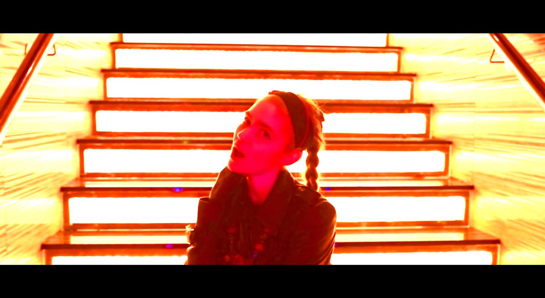 grimes-realiti-video-02