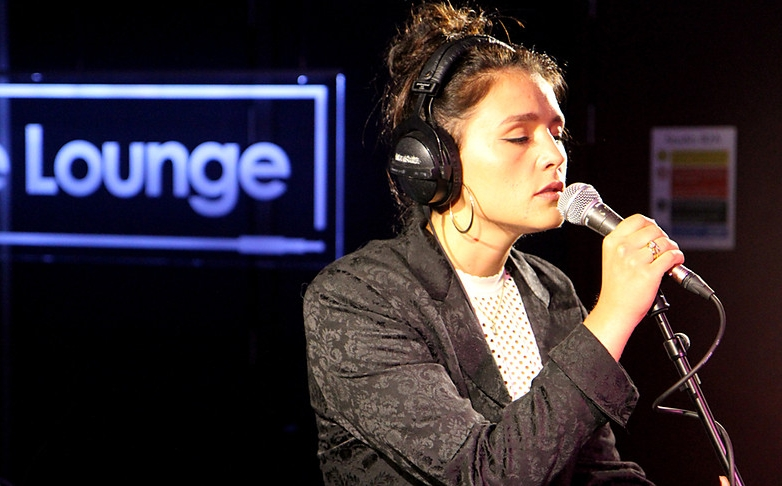 jessie-ware-diamonds-cover-rihanna