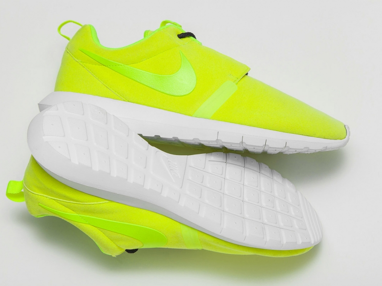 nike-roshe-run-motion-volt-1