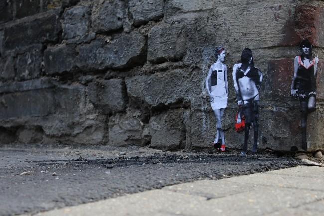 pablodelgado_sluts_miniature_streetart_1