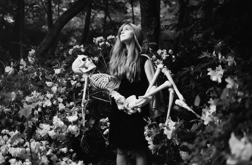 paperlilies_lovestory_skeleton_1