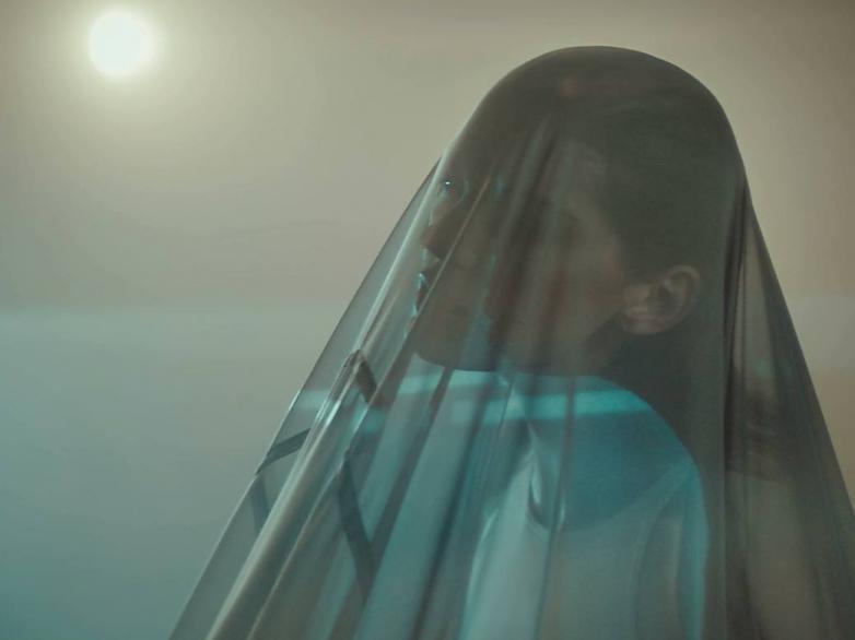 rosielowe-whosthatgirl-music-video