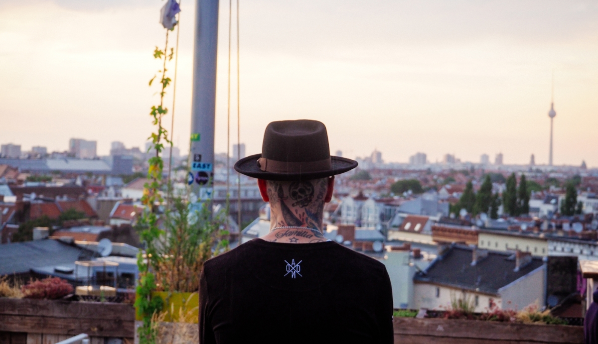 rvcaxnoisey-YG-rooftop-berlin-cover